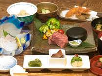 *沖縄の黒毛和牛【伊江牛】の石焼きがメインの懐石料理