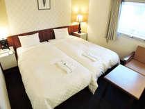 *ハリウッドツイン/カップルにお勧めのお部屋!広々ベッドでゆったりおくつろぎしていただけます。