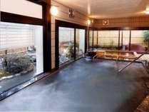 大浴場檜風呂とジェット風呂(湯坂温泉)
