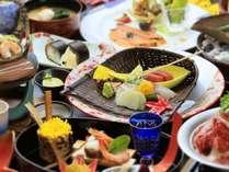 味覚だけでなく視覚でも楽しめる会席料理が自慢です。