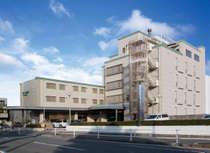 JR新白島駅から徒歩約6分、広島駅からタクシー約5分の立地です。