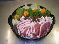 【贅沢★しし鍋】秋冬の柔かお肉にほっぺがおちそう♪囲炉裏のお食事処で、特製味噌仕立て肉鍋13品コース♪