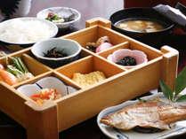 【朝食】朝から元気満々!しっかり食べて観光へお仕事へ♪/例