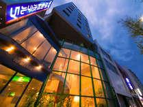 ホテル最寄りの唐人町駅から 福岡空港17分、博多駅11分、天神駅5分