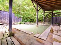 *露天風呂(男湯)/都会の喧騒を離れ温泉に浸かりながら静かな時間をお愉しみ下さい。