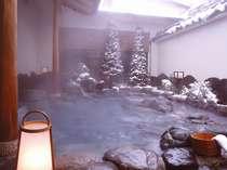季節ならではの雪見風呂