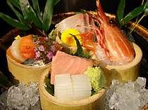 新鮮な海の幸を中心としたこだわりのお料理に舌鼓!