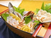 篠島の旬の海の幸をたっぷり使った豪快舟盛☆