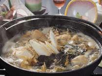 *【あんこう鍋一例】冷たい海で生息するアンコウほど身が締まり、味も良くなると言われています。