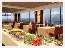 眺めの良い13階の会場で津軽人定番のご朝食をお楽しみ下さい。