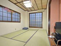 【和室6畳】お部屋から奥神鍋スキー場のゲレンデが望めます