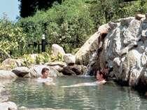 『玄海さつき温泉』露天温泉岩風呂