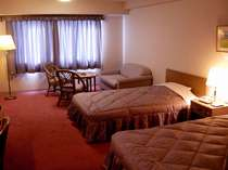 広々したゆとりのある洋室ツインルーム。(36平米)