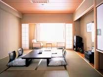 和室10畳のゆったり和室は4名様定員