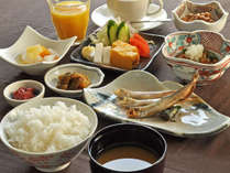 【朝食一例】お米はむかわ産の「ななつぼし」を使用。地産地消にこだわった和定食です。