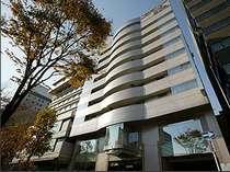 新横浜駅北口より徒歩3分