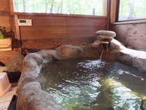 C棟浴室広々とした石風呂&浴室