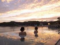 新露天風呂「一望千里の湯」オープン!絶景の夕日のタイミングで、露天風呂を満喫できます♪