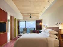 プレミアムオーシャンキングでは、キングベッド(幅200cm)のベッドを1台設置したお部屋。