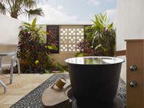 プレミアムラナイルームの箱庭と五右衛門風呂