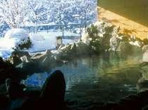 冬の露天風呂では、雪見露天も♪