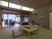 渓谷を望む角部屋 和洋特別室