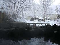 *雪の露天風呂