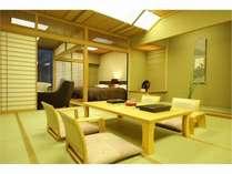 特別室一例★ゆったりした空間の中に心やすらぐ和室、畳のほのかな香りが心を和ませます。