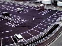 再舗装した平面駐車場 バス・トラック駐車可能 駐車料金無料