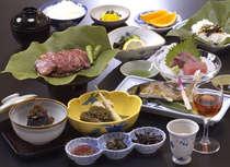 飛騨の味!鮎の塩焼き、山菜の炊き合わせ、飛騨牛のみそ焼き