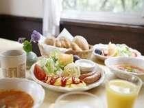 フルーツいっぱいの朝食で爽やかな目覚めを!