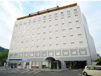 【外観】JR宇和島駅から徒歩5分!国道56号線沿いの好立地にあります。