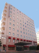 高知駅より徒歩5分。本館(喫煙・禁煙のフロアを分けております)&禁煙館あわせて257室。