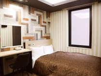 *【リニューアル客室・禁煙】セミダブル★14平米★ベッド幅130 デザインはフロアごとに変わります