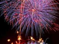 【日にち限定】●とねふるさと風の祭り♪●去り行く夏を惜しみながら今年最後の納涼花火大会を泊りで!