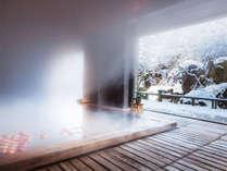 【雪見温泉】全て新魅力「津軽雪づくし」のぽかぽか温泉旅館滞在。雪見酒、雪吊り庭園を眺める檜の湯。