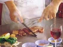 シェフがお客様の目の前で焼きあげる絶品の飛騨牛を是非ご賞味ください。
