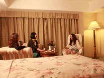 レディースルームで素敵な女子会を♪※画像はレディースデラックスツインルームのイメージです。