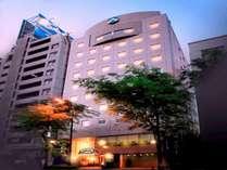 ■JR池袋東口からサンシャイン通りを直進。徒歩約6分の便利なホテルです。