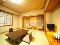 ●和室  びわ湖側畳ならではの落ち着いたお部屋でゆっくりとおくつろぎください。
