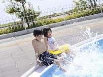 びわ湖が目の前  ホテルのプールで安心安全に夏をエンジョイ