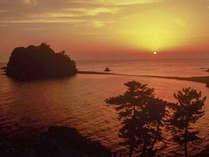 ■最高のサプライズ「西伊豆の夕陽」。その時その場所でしか見ることのできない感動を味わう。