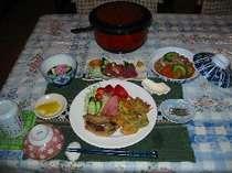 イュンカの塩漬け・ソイブニの煮込み・新鮮なマグロのお刺身など本土ではめったに食べられませんよ
