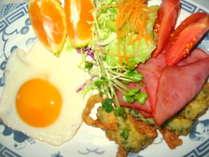 ボリューム満点の朝食