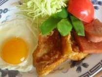 ヨロン島の定番ポークランチョンミート!トマトやキャベツも新鮮で美味しいですよ。体に優しい朝食です♪
