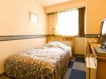 セミダブルベッドのシングルルーム