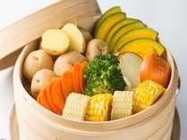 蒸し野菜!ほくほくの北海道野菜をご堪能下さい
