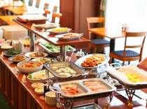 良い一日は良い朝食から!ボリュームのある和洋朝食バイキング