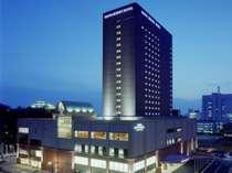 和歌山城前の高層ホテル。地上20階建