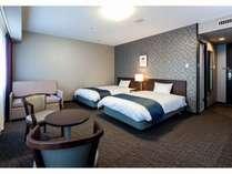 トリプル 部屋の広さ35平米 122cm×203のベッドが2つ 事前のご予約でエキストラベッド追加可能